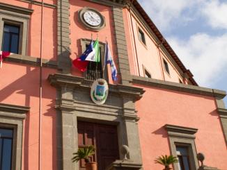 L'ingresso di Palazzo Colonna, sede del Comune di Marino