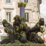 La fontana dei quattro mori a piazza Matteotti durante la Sagra dell'uva